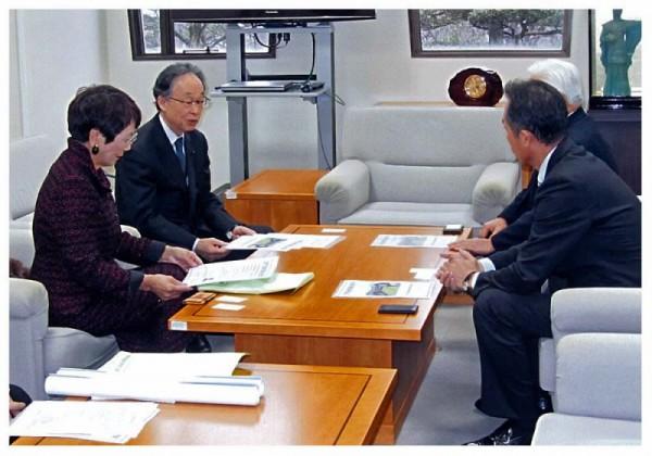 2013年1月21日 北方領土県民会議近隣市町表敬訪問